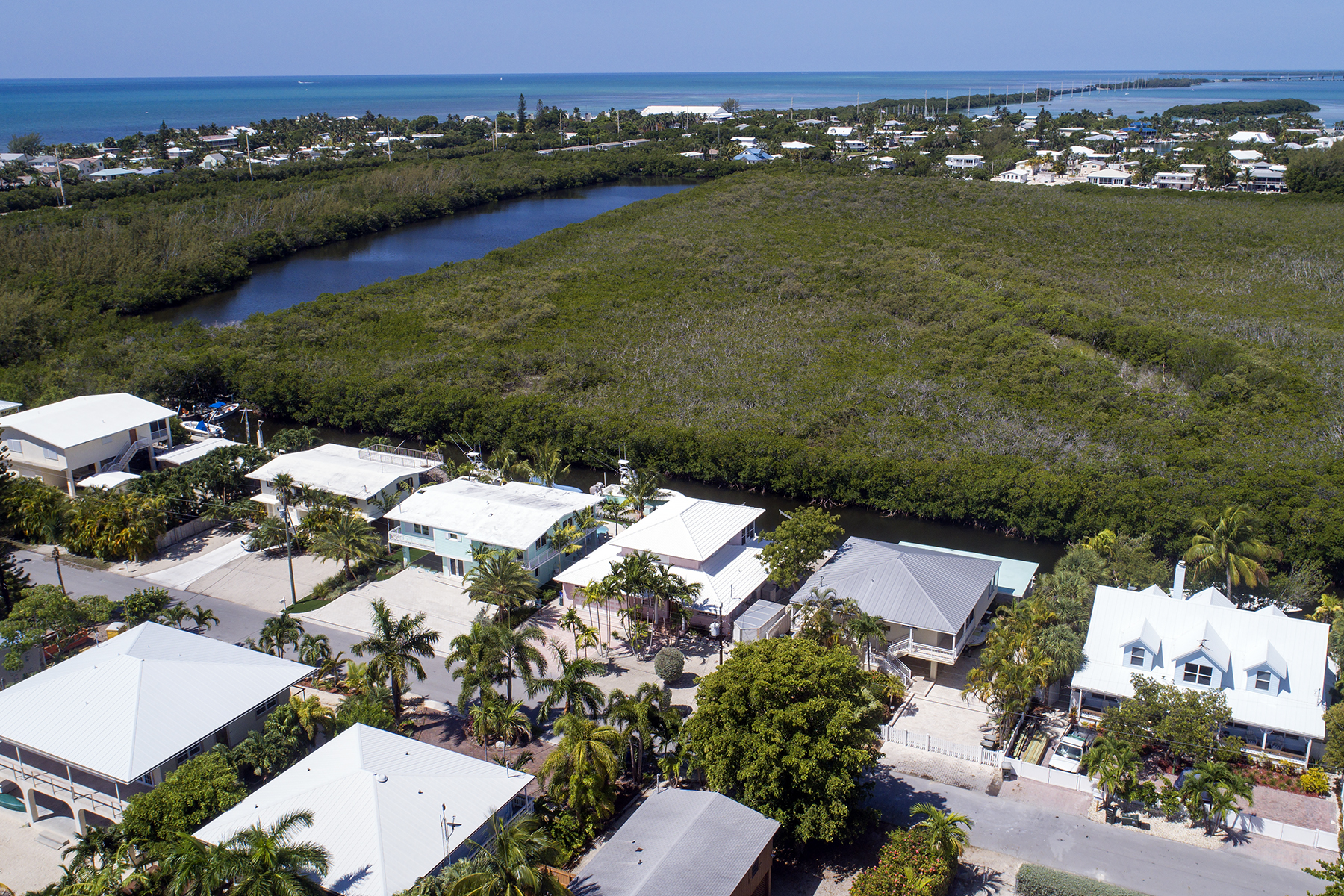 Additional photo for property listing at Perfect Island Setting 124 Venetian Drive Islamorada, Florida 33036 Amerika Birleşik Devletleri