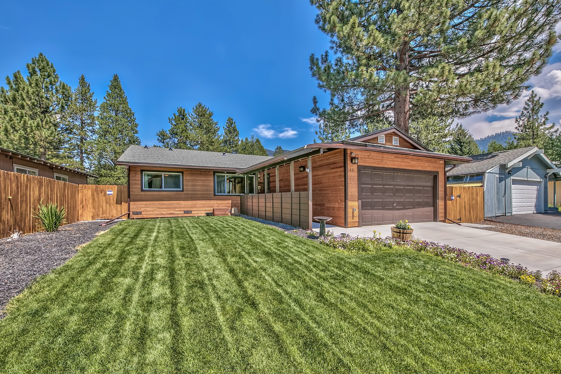 Single Family Home for Active at 1421 Matheson Drive, South Lake Tahoe CA 96150 1421 Matheson Drive South Lake Tahoe, California 96150 United States