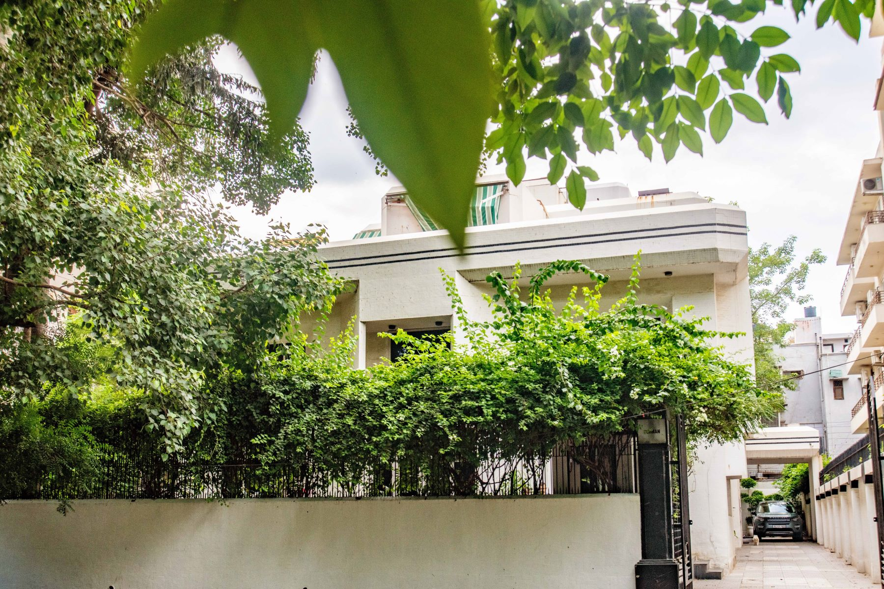 Additional photo for property listing at Bungalow in Shanti Niketan Shanti Niketan New Delhi, Delhi 110021 India