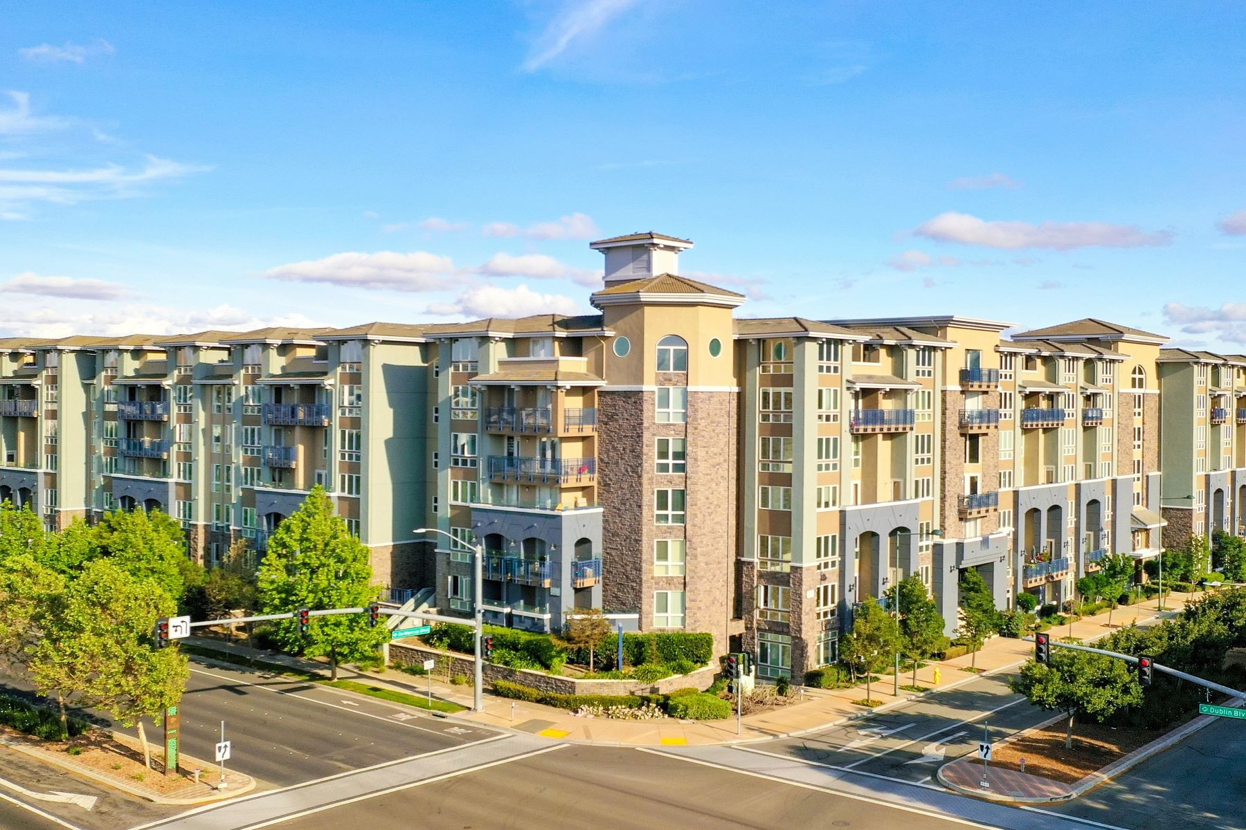 Condominiums for Sale at Perfect Starter Condo 5501 De Marcus Boulevard #421 Dublin, California 94568 United States