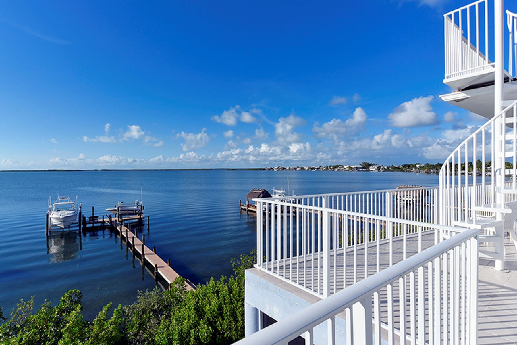 Additional photo for property listing at Custom Bayfront Home 30 S Bounty Ln Key Largo, Φλοριντα 33037 Ηνωμενεσ Πολιτειεσ