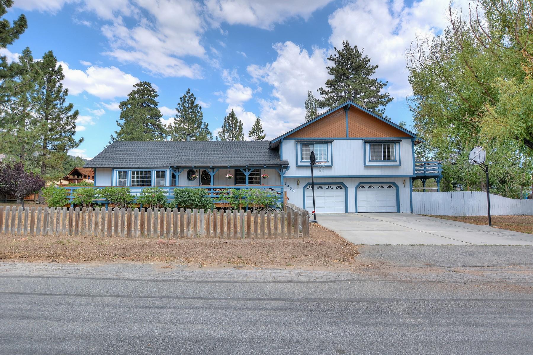 Casa Unifamiliar por un Venta en 1080 Gold Mountain Drive Big Bear City, California CALIF Estados Unidos