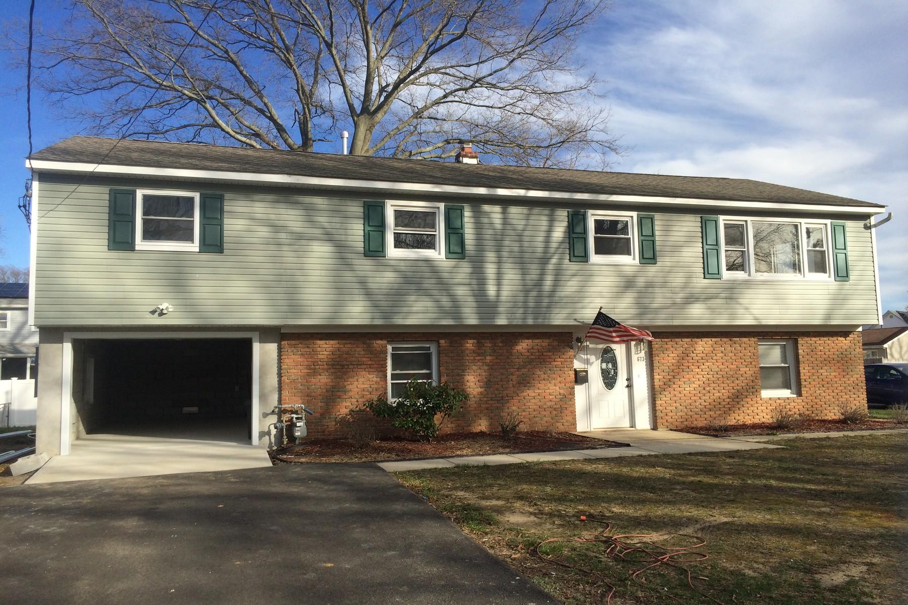 一戸建て のために 売買 アット 673 Monmouth Ave. Middletown, ニュージャージー, 07748 アメリカ合衆国