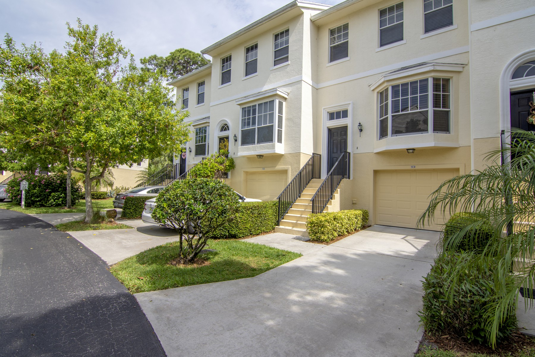 Townhouse for Sale at Practically Perfect Townhouse with Balconies 1650 42nd Sq Vero Beach, Florida 32960 United States