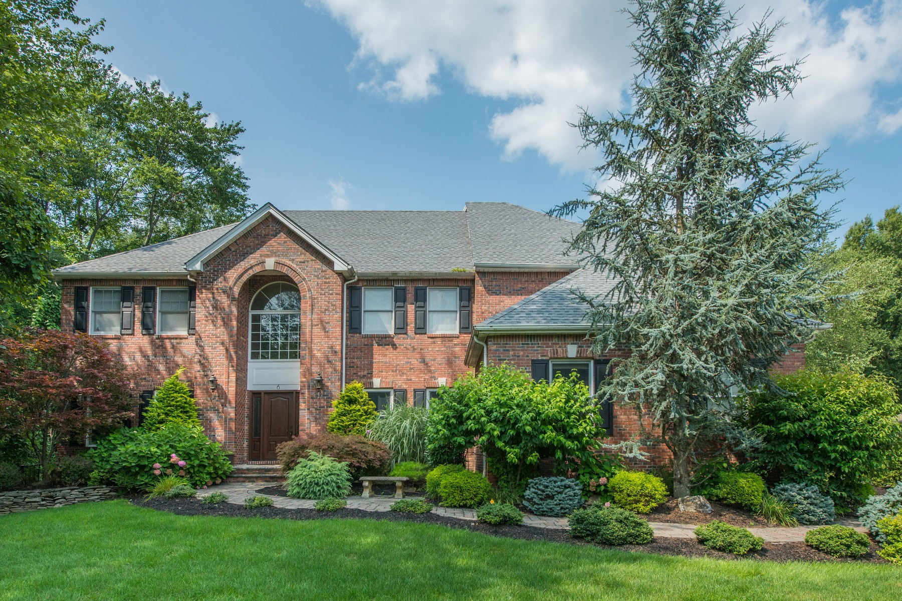 Single Family Homes for Sale at Stunning Center Hall Colonial on Cul-de-sac in Desirable Fox Hollow 6 Rochon Court Montville, New Jersey 07045 United States