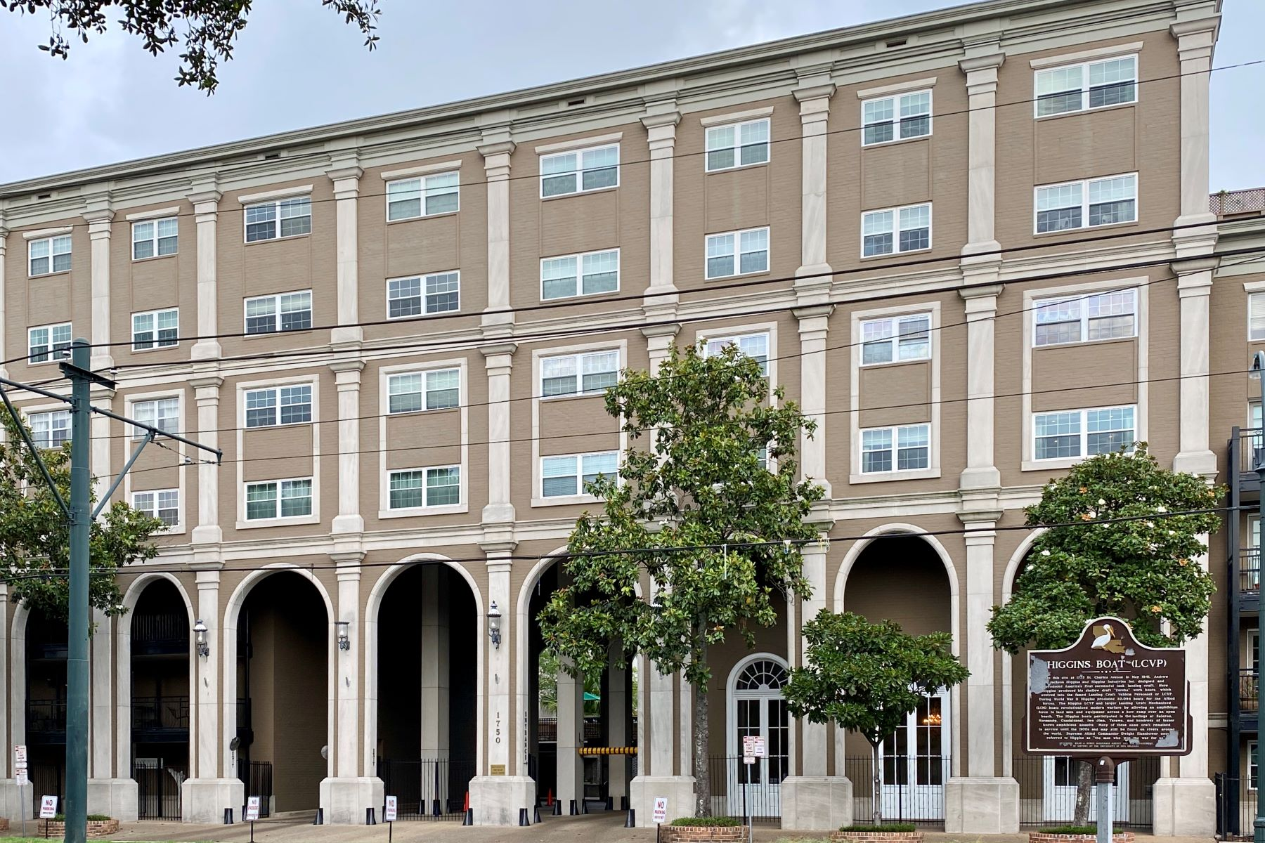 Condominiums for Active at 1750 St. Charles Condo 1750 ST CHARLES AV #336 New Orleans, Louisiana 70130 United States