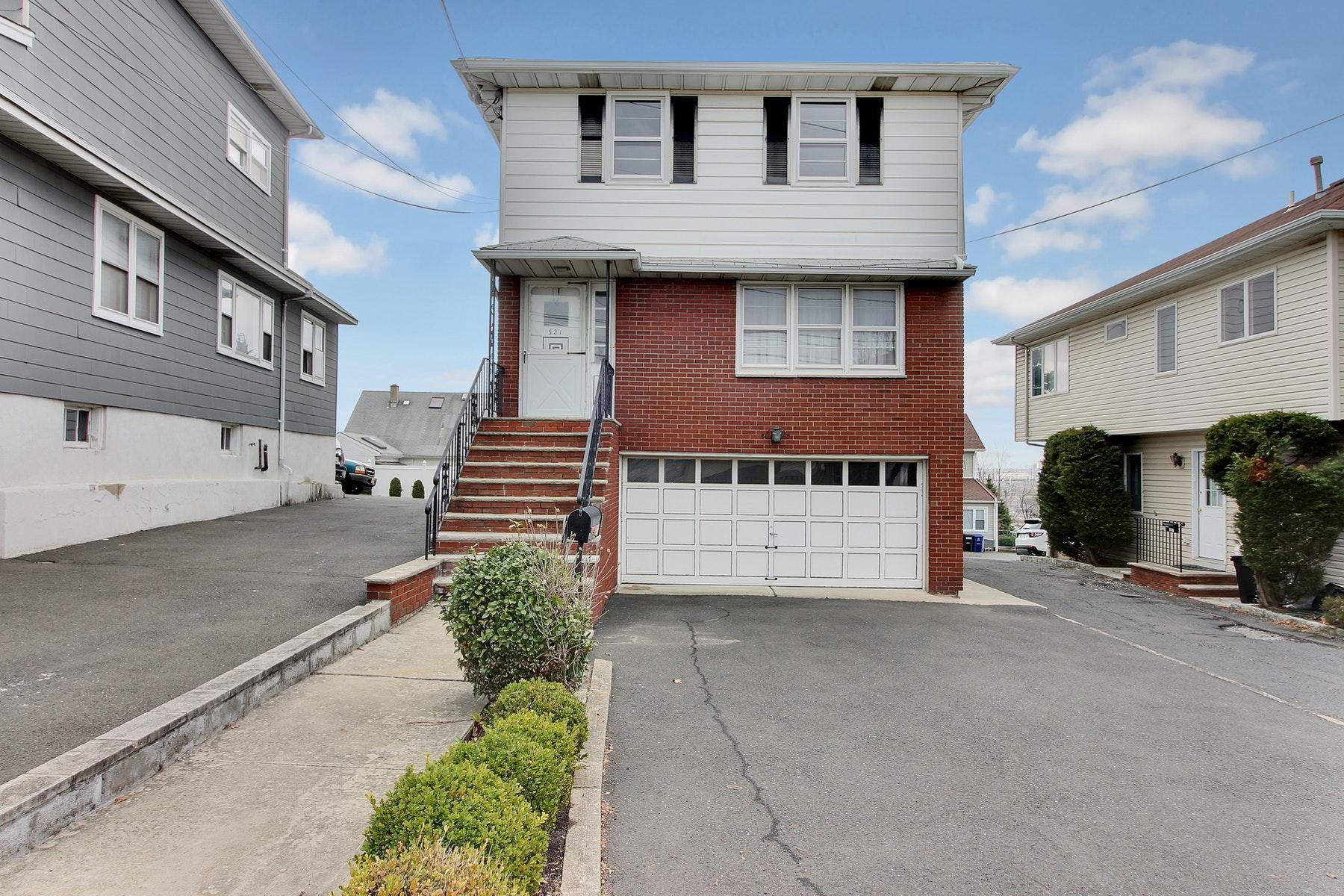 Μονοκατοικία για την Πώληση στο 521 Hackensack Street Carlstadt, Νιου Τζερσεϋ 07072 Ηνωμενεσ Πολιτειεσ