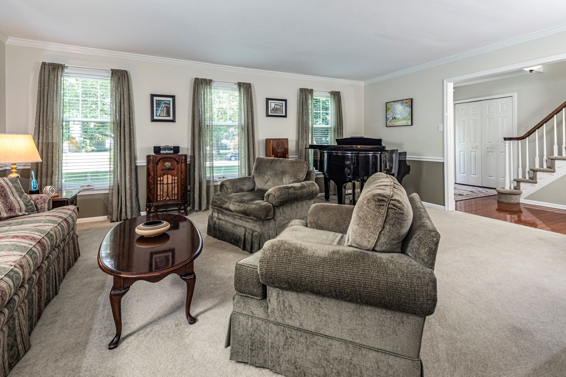 Additional photo for property listing at Remodeled with a Nod to Craftsman Style 22 Hamilton Court, Lawrenceville, New Jersey 08648 United States