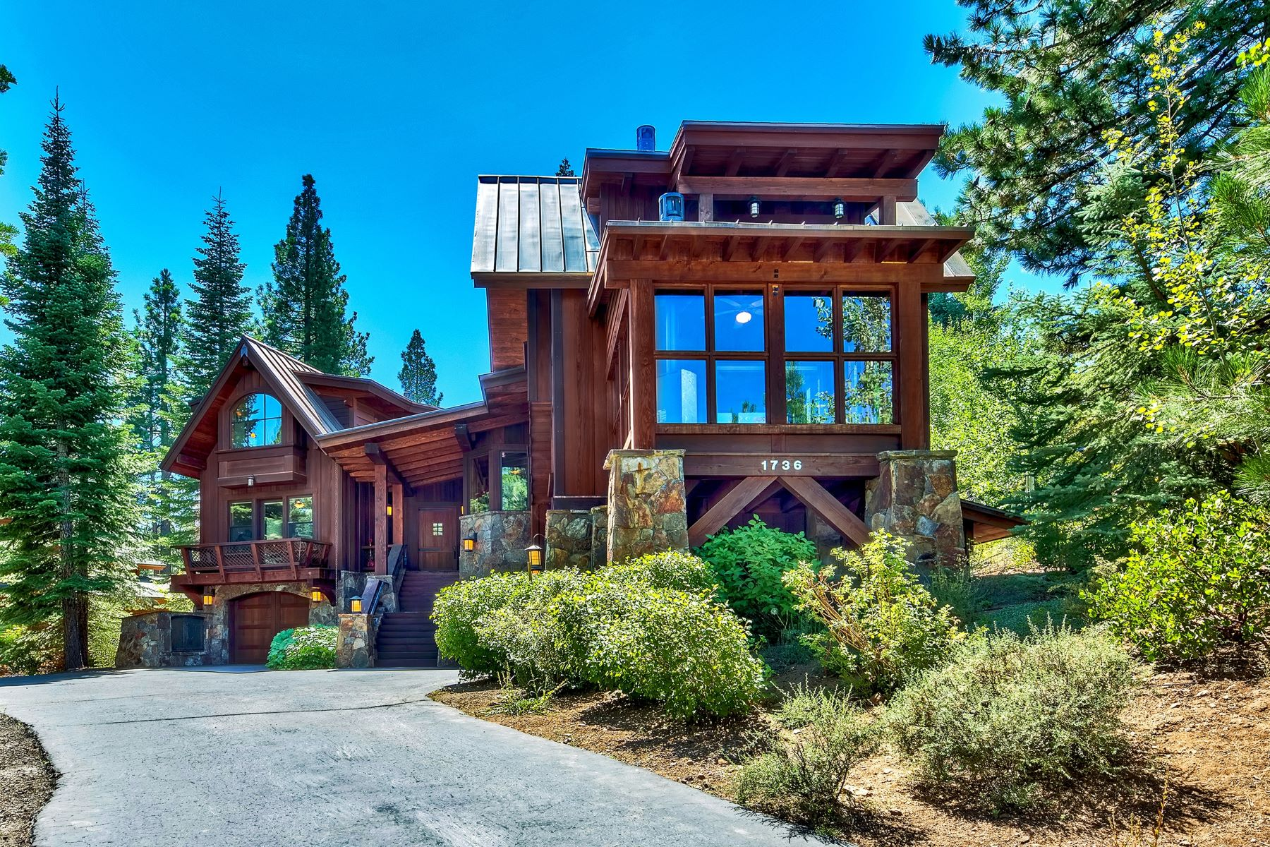 Single Family Homes 为 销售 在 1736 Grouse Ridge Road, Truckee 1736 Grouse Ridge Road 特拉基, 加利福尼亚州 96161 美国