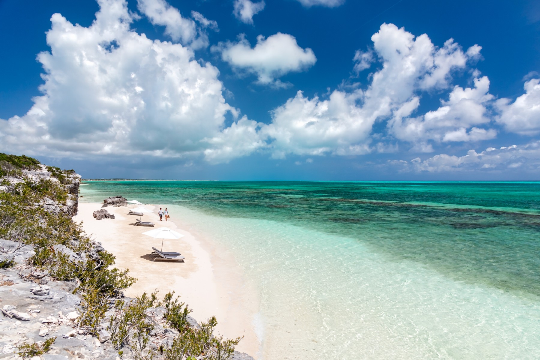 Additional photo for property listing at Rock House Studio International Drive Oceanfront Blue Mountain, Providenciales TKCA 1ZZ Îles Turques Et Caïques