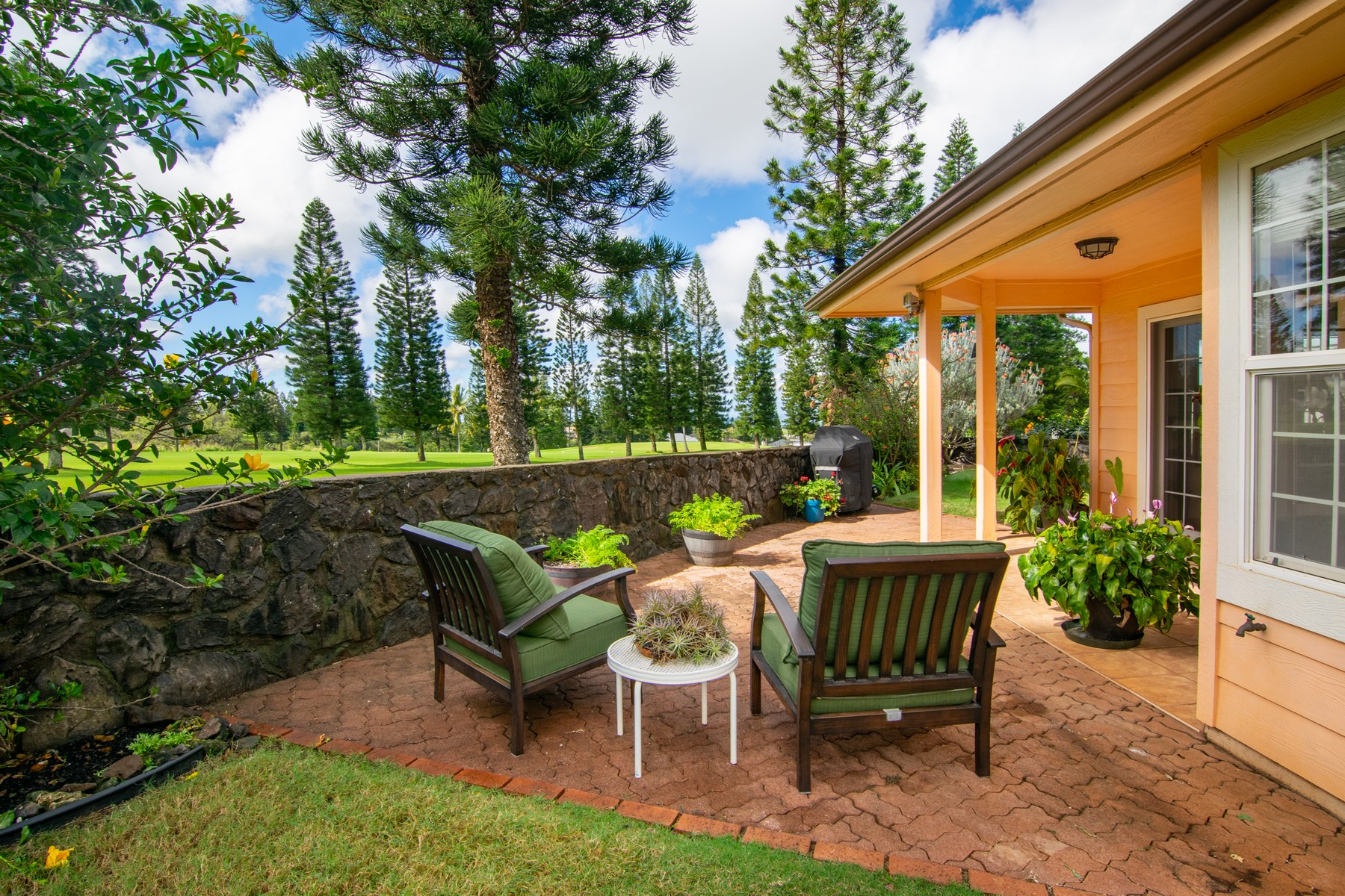 Single Family Home for Active at Golf Course in Your Own Backyard! 2886 Ualani Place Pukalani, Hawaii 96768 United States