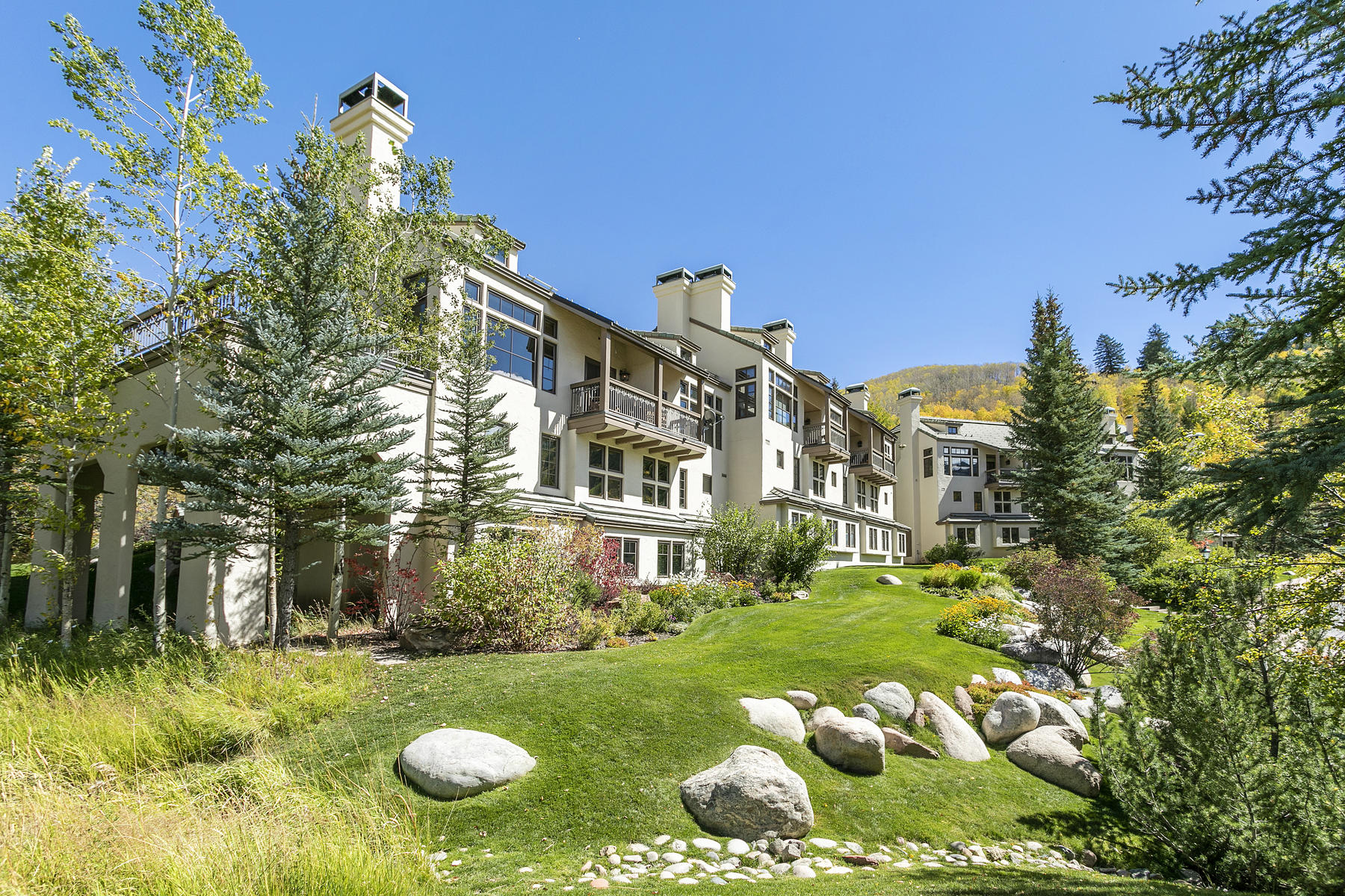 Townhouse for Active at Beaver Creek Meadows #B4 51 Meadow Lane #B4 Beaver Creek, Colorado 81620 United States