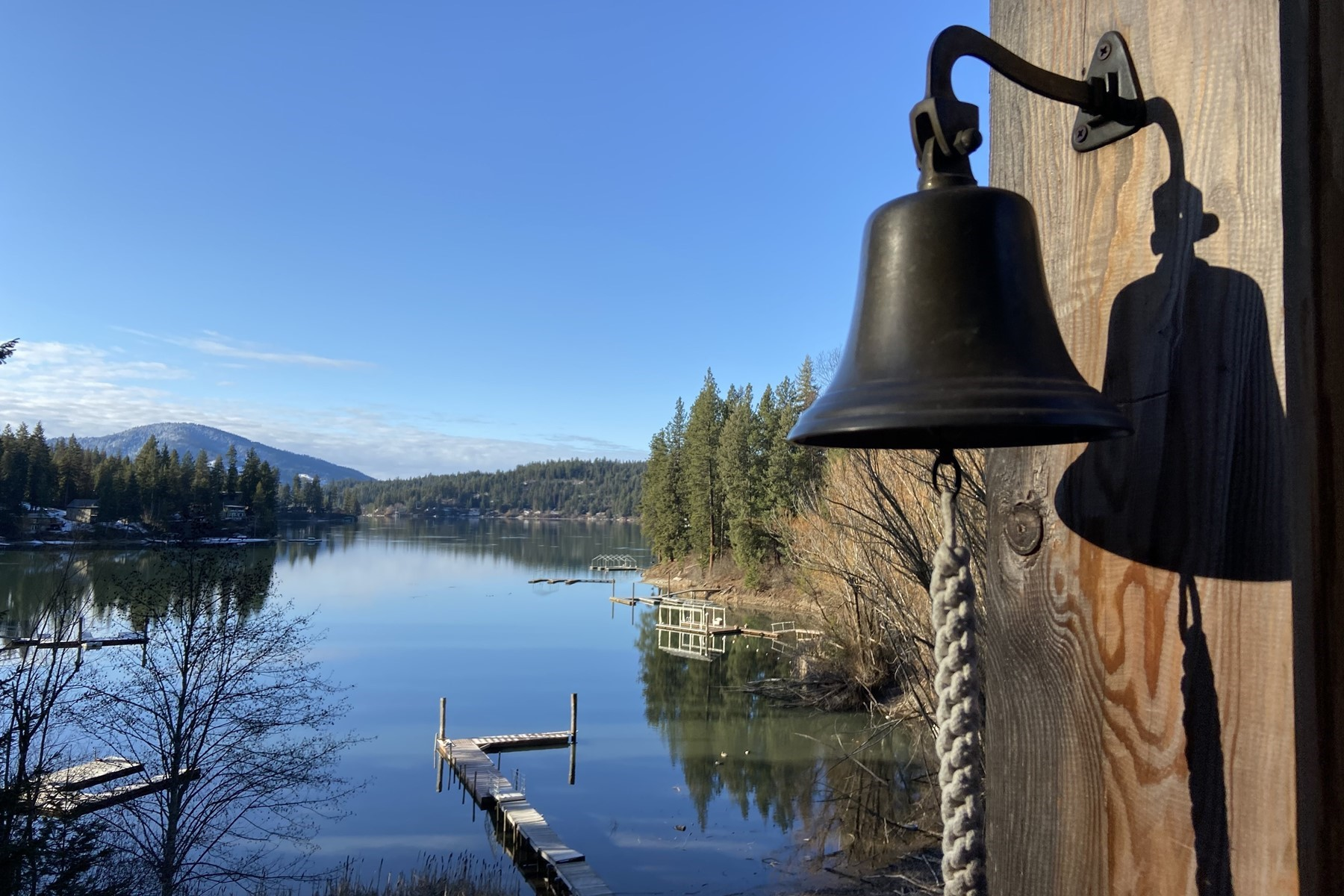 Single Family Homes por un Venta en Hayden Lake Waterfront Acreage Lodge 31245 E Hayden Lake Rd Hayden, Idaho 83835 Estados Unidos