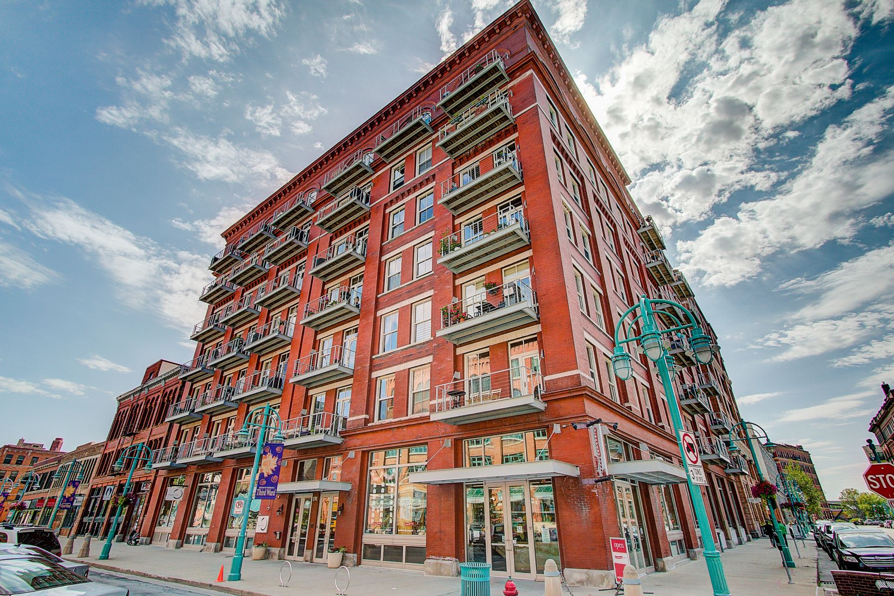 Condominiums for Active at Lofts on Broadway Unit 509 191 N. Broadway Unit 509 Milwaukee, Wisconsin 53202 United States