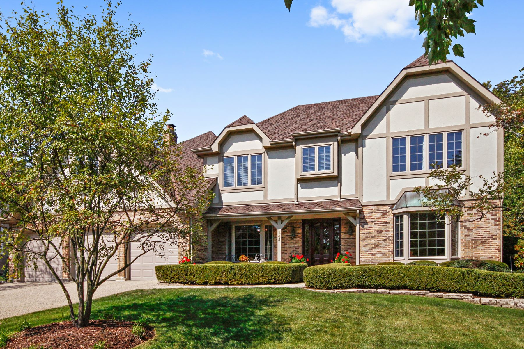 Casa Unifamiliar por un Venta en 245 Meadowbrook Lane Hinsdale, Illinois, 60521 Estados Unidos