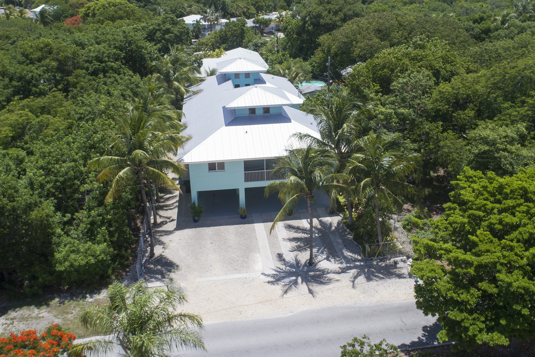 Additional photo for property listing at Desirable Port Largo Location 213 Atlantic Blvd Key Largo, Florida 33037 États-Unis