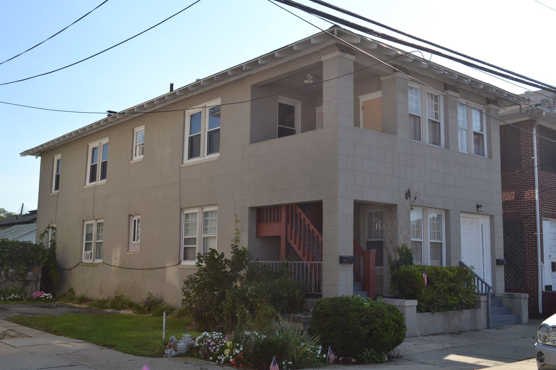 Condominium for Rent at 5 N Newport Ave, Upper Unit 5 N Newport Ave Upper Unit, Ventnor, New Jersey 08402 United States