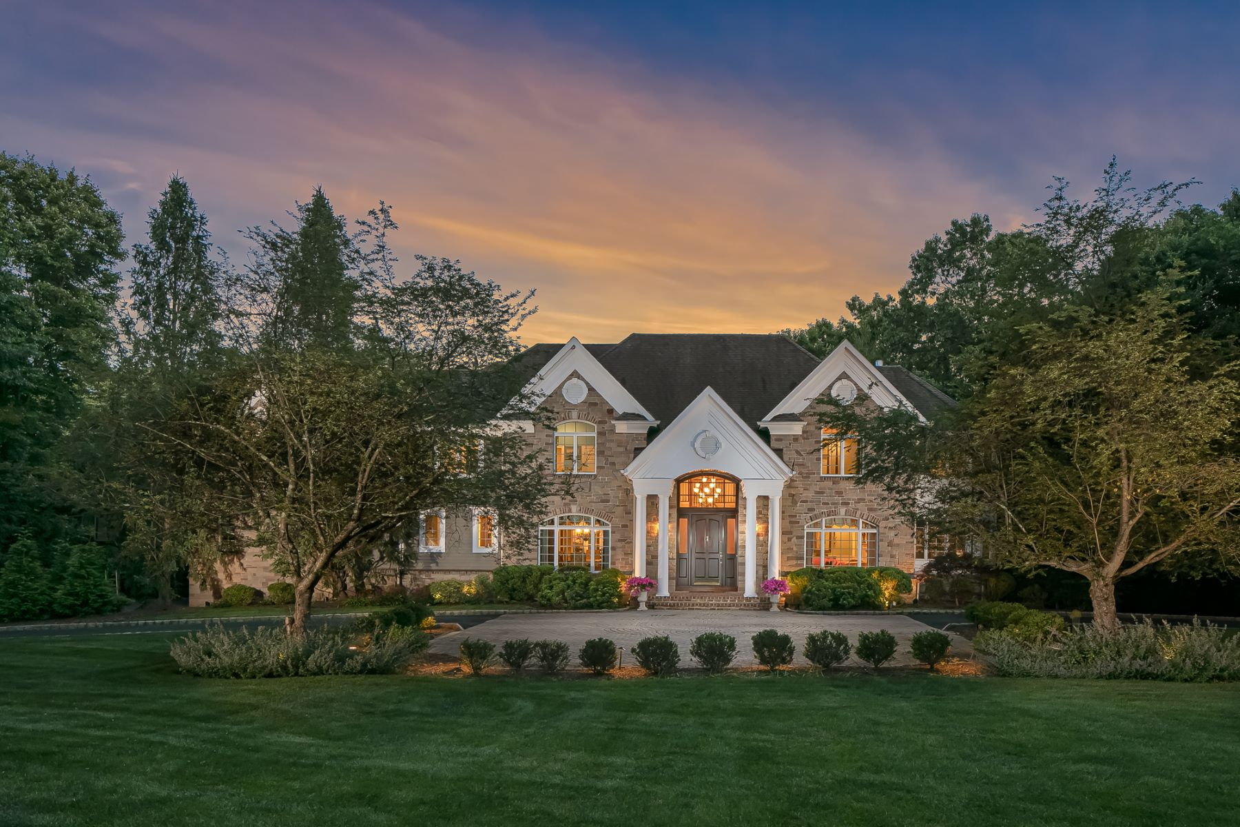 Single Family Homes for Sale at Traditional Center Hall Colonial 93 Emily Road Basking Ridge, New Jersey 07920 United States