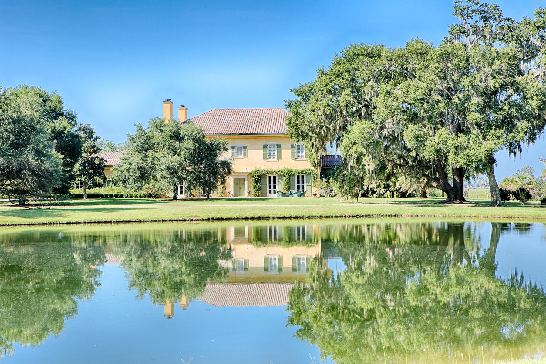 Single Family Homes por un Venta en 120 Oaks Plantation Road St. Helena Island, Carolina del Sur 29920 Estados Unidos