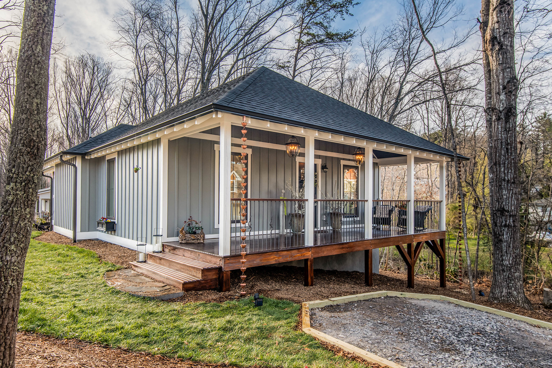 Single Family Home for Active at NEWLY CONSTRUCTED COTTAGE 102 Craggy St Black Mountain, North Carolina 28711 United States