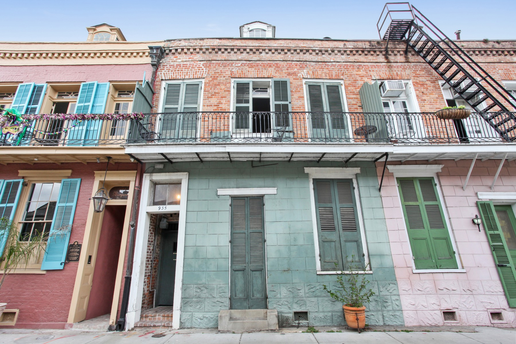 Condominium for Sale at 935 Burgundy Street, #5 935 Burgundy St #5 New Orleans, Louisiana 70116 United States
