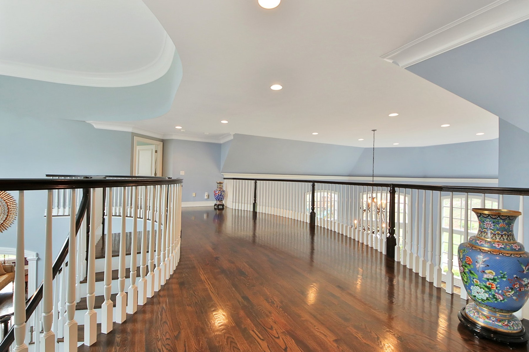 Additional photo for property listing at Sophisticated Elegance 164 North Murray Ave, 里奇伍德, 新泽西州 07450 美国