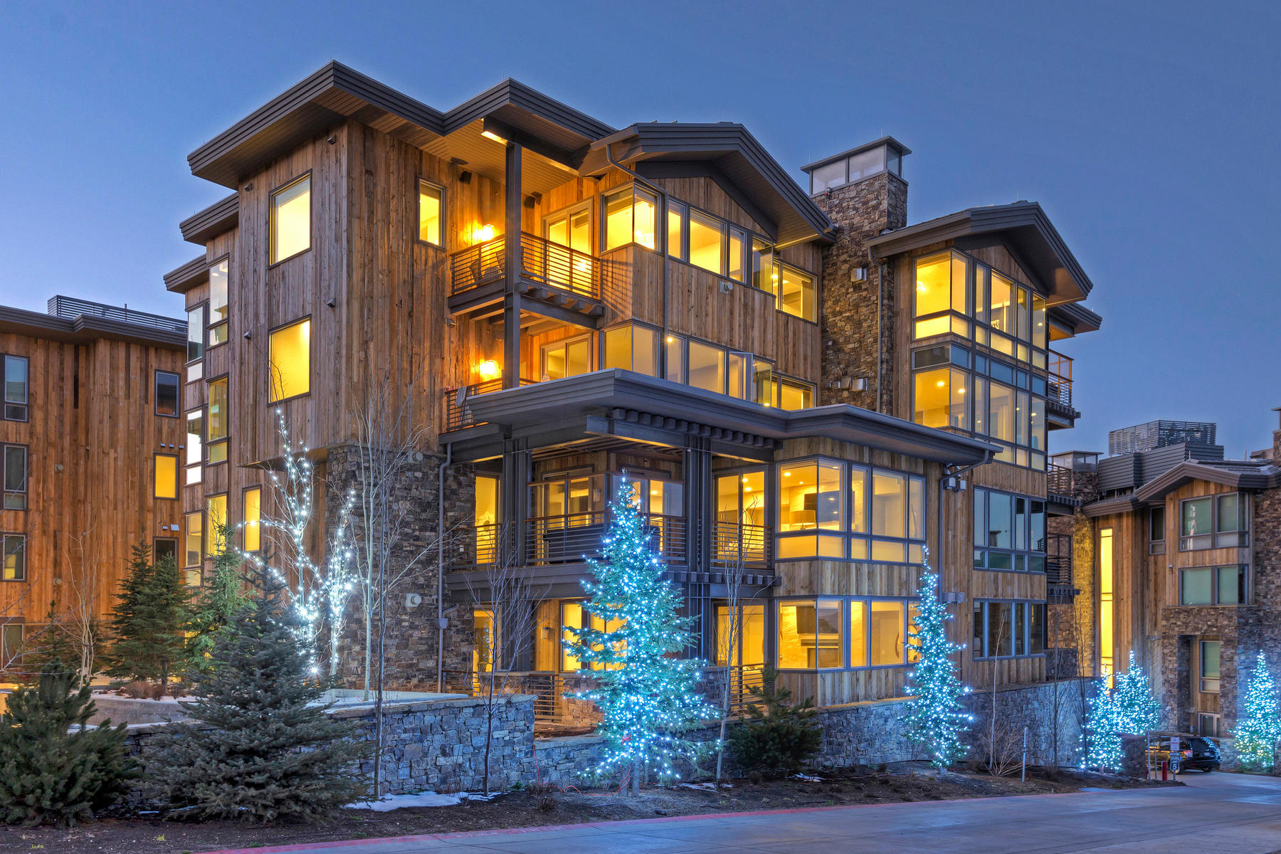 شقة بعمارة للـ Sale في Brand New Turn-Key Ski-in/Ski-out Penthouse at Deer Valley 7101 Stein Cir #621 Park City, Utah 84060 United States