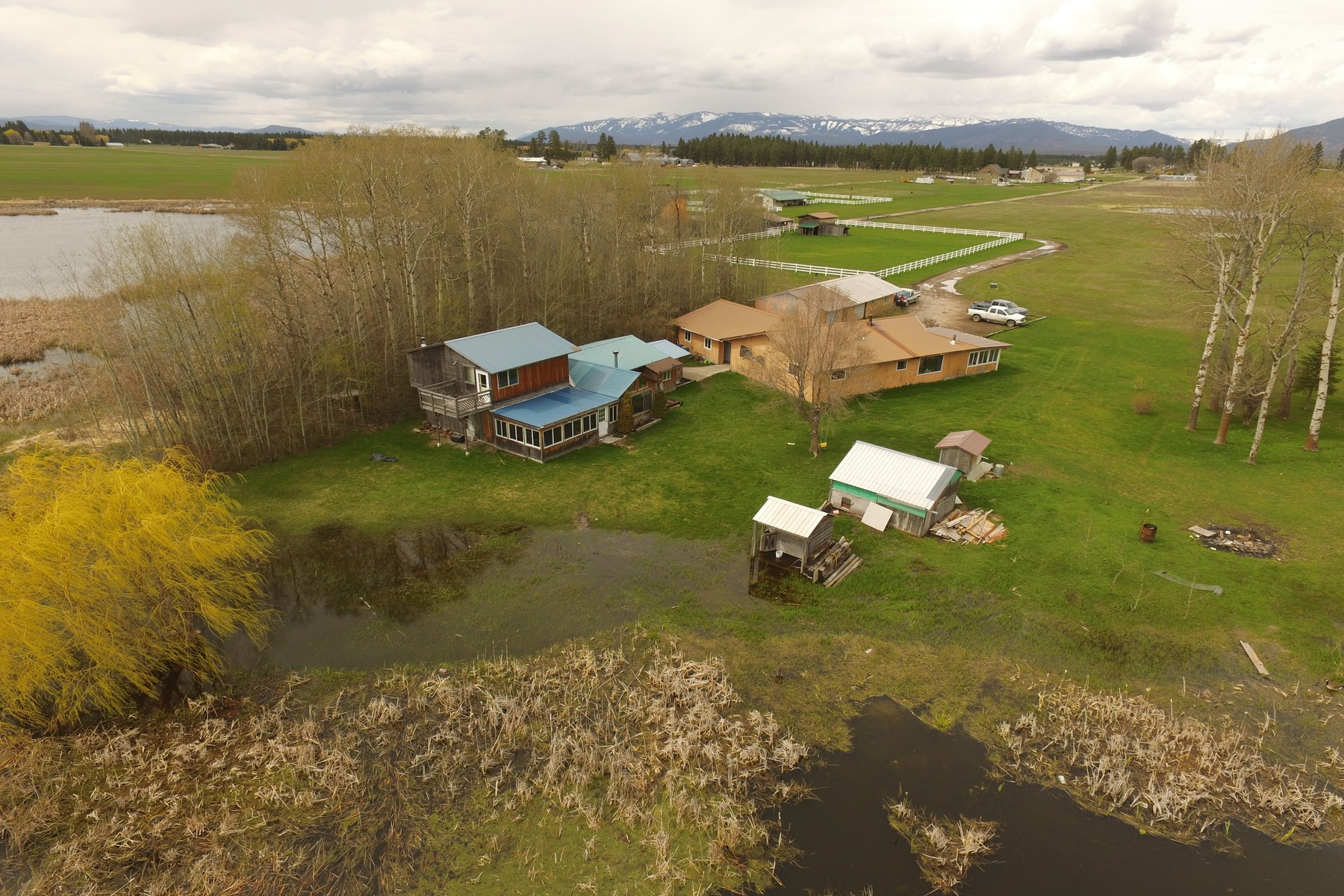 Single Family Home for Sale at 225 Bison Hollow Rd , Columbia Falls, MT 59912 225 Bison Hollow Rd Columbia Falls, Montana 59912 United States