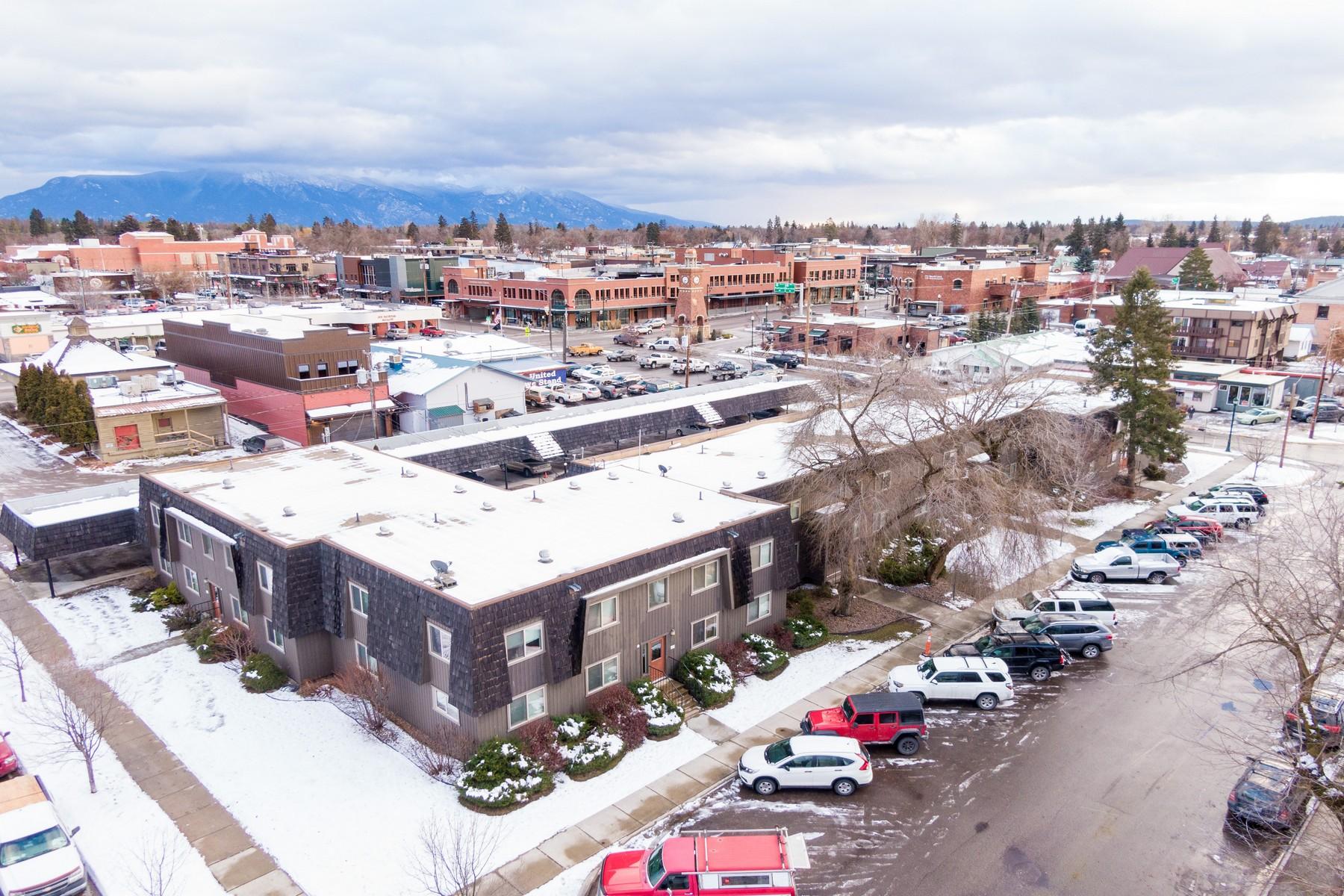 Apartments для того Продажа на Whitefish, Монтана 59937 Соединенные Штаты
