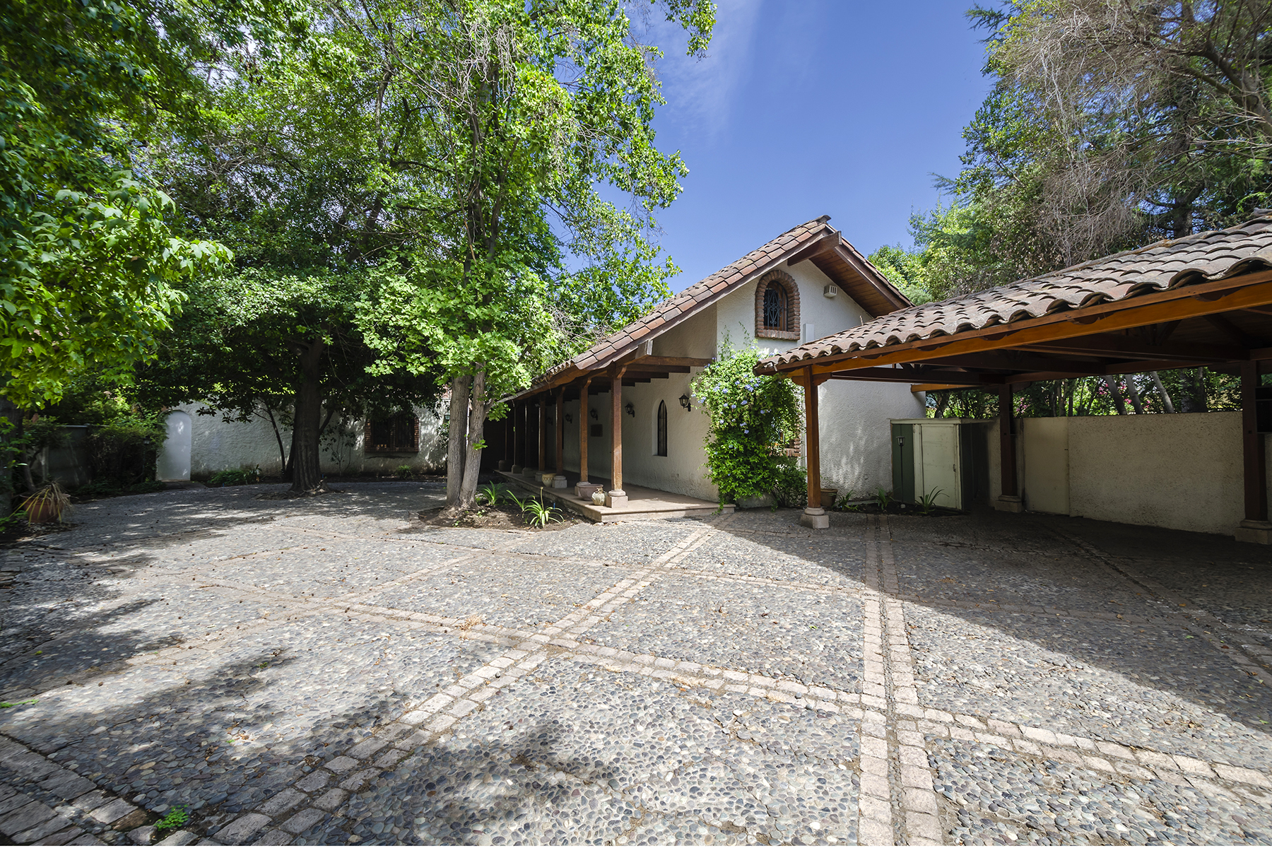 Einfamilienhaus für Verkauf beim Gorgeous Traditional Chilean Home - La Dehesa Lo Barnechea, Santiago, Region Metropolitana De Santiago Chile