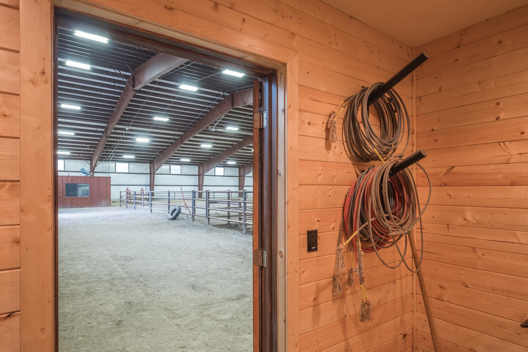 Additional photo for property listing at Horse Lover's Dream 750 East 3200 North Kamas, 犹他州 84036 美国