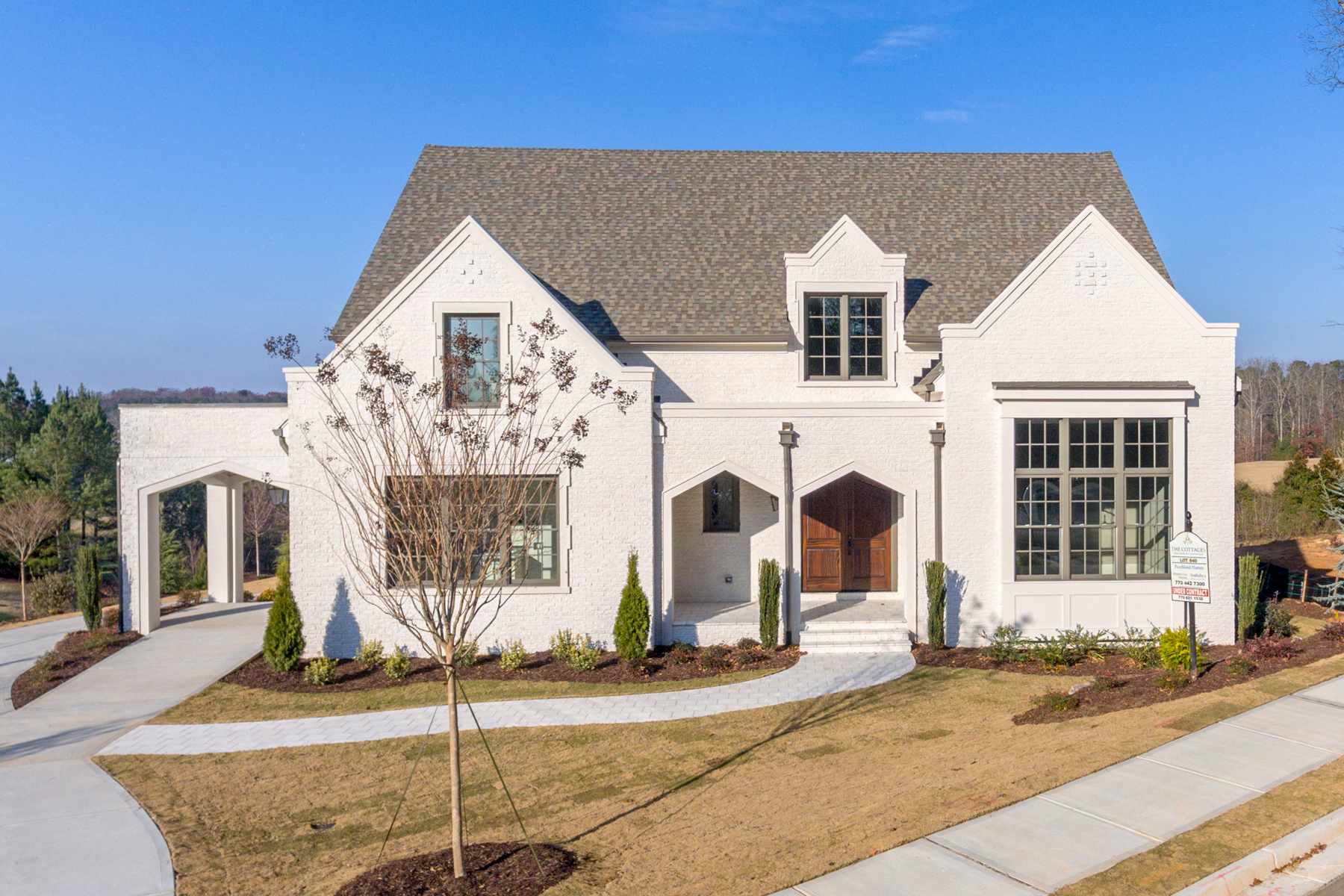 Single Family Homes per Vendita alle ore Beautiful Custom Home In The Country Club Of The South 0 Barkston Way, Johns Creek, Georgia 30022 Stati Uniti