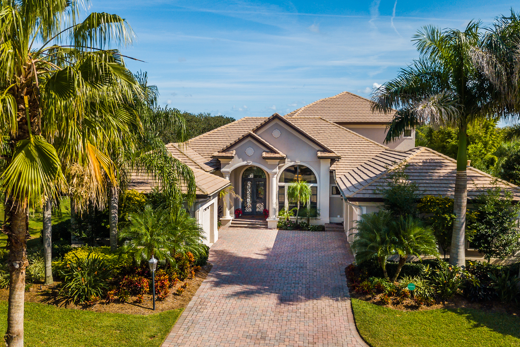 Single Family Homes for Active at LAKEWOOD RANCH COUNTRY CLUB 13662 Legends Walk Ter Lakewood Ranch, Florida 34202 United States