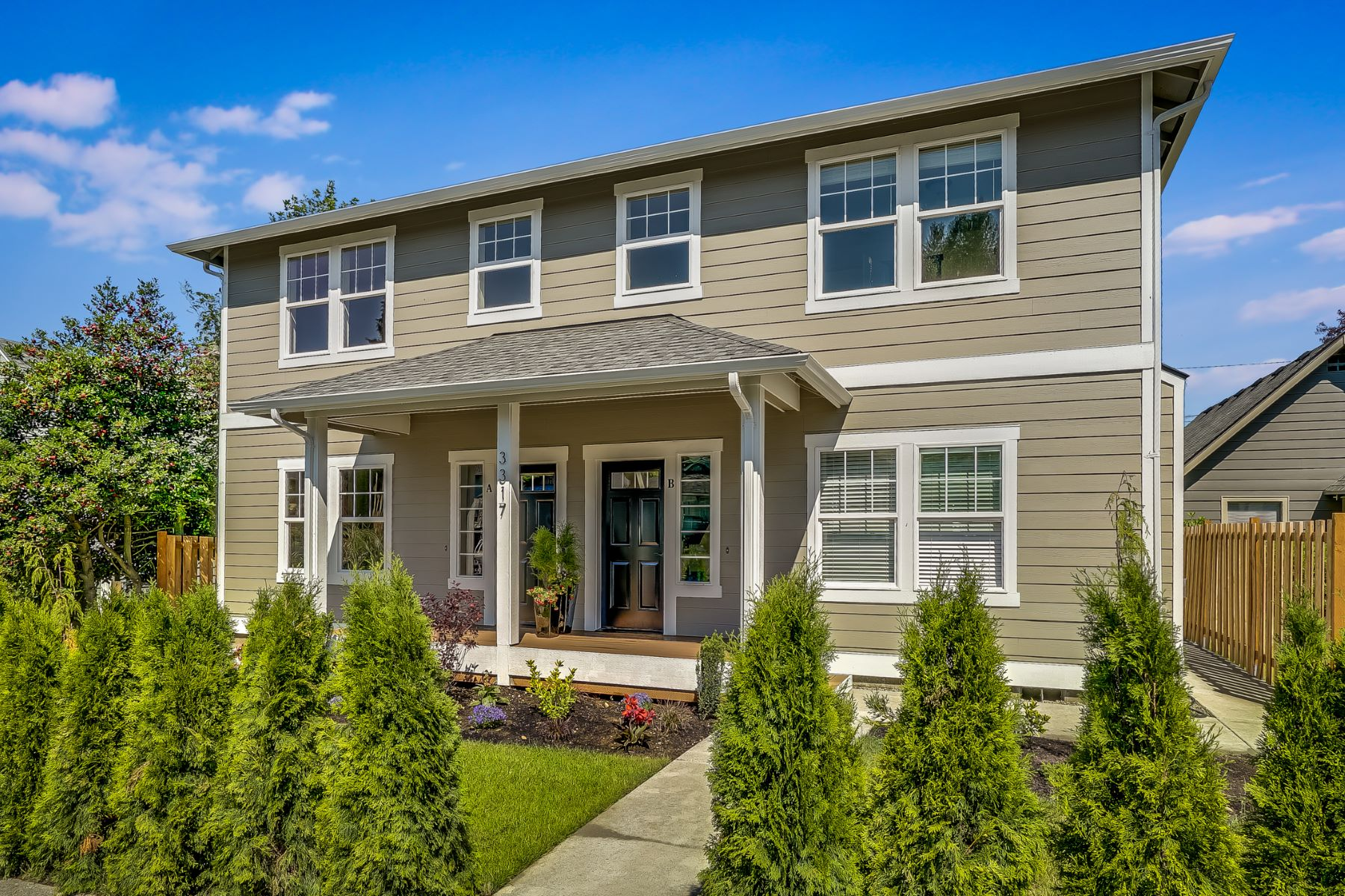 Condominiums for Sale at Hoyt Townhome 3323 Hoyt Ave Unit #A Everett, Washington 98201 United States