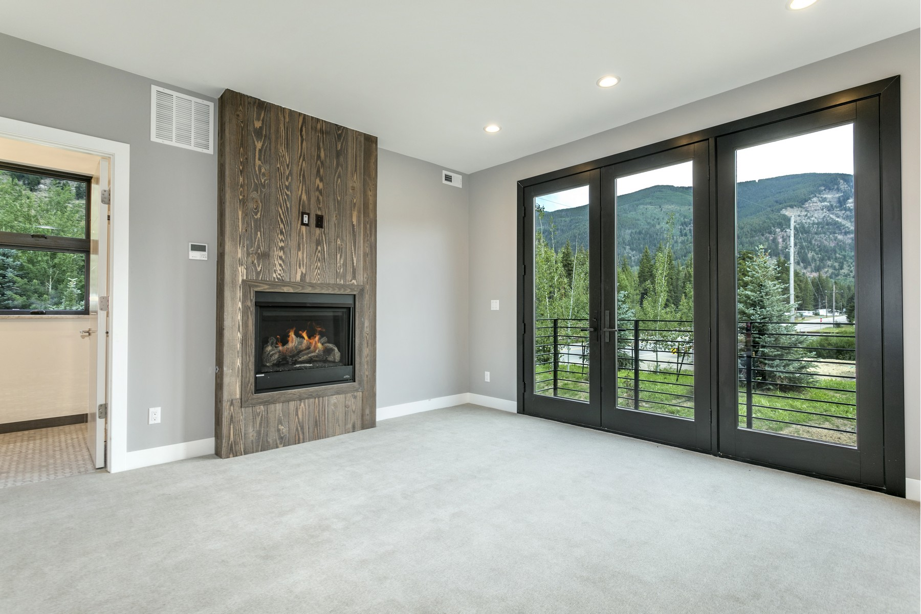 Additional photo for property listing at Striking architectural elements and superior construction quality 1014 Two Elk Lane Minturn, Colorado 81645 United States