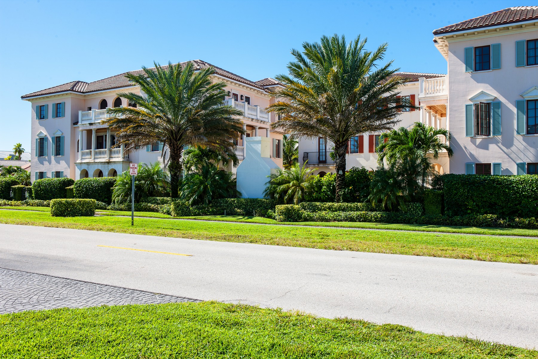 Townhouse for Sale at Elegant Italian Villa by Beach 1515 Ocean Drive #9, Vero Beach, Florida, 32963 United States