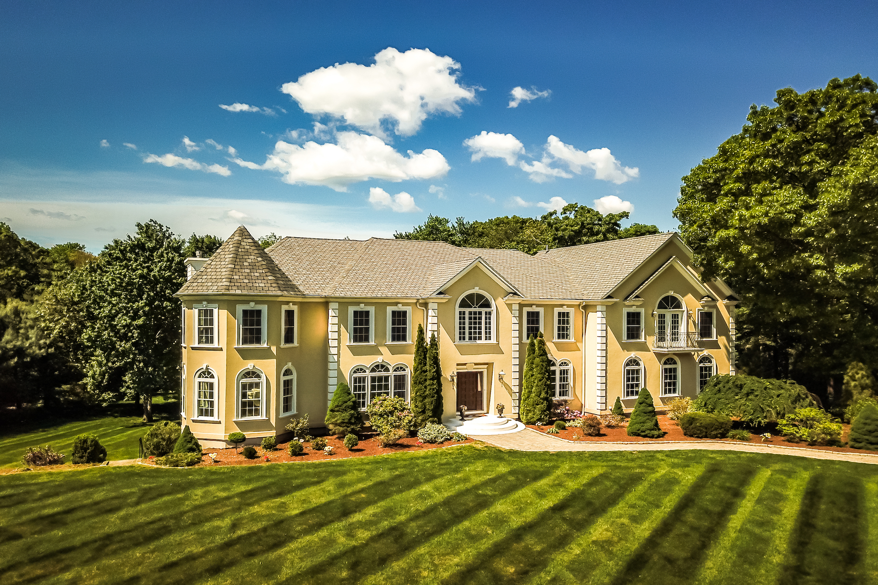 Single Family Homes for Active at 14 Arrowhead Lane Westborough, Massachusetts 01581 United States