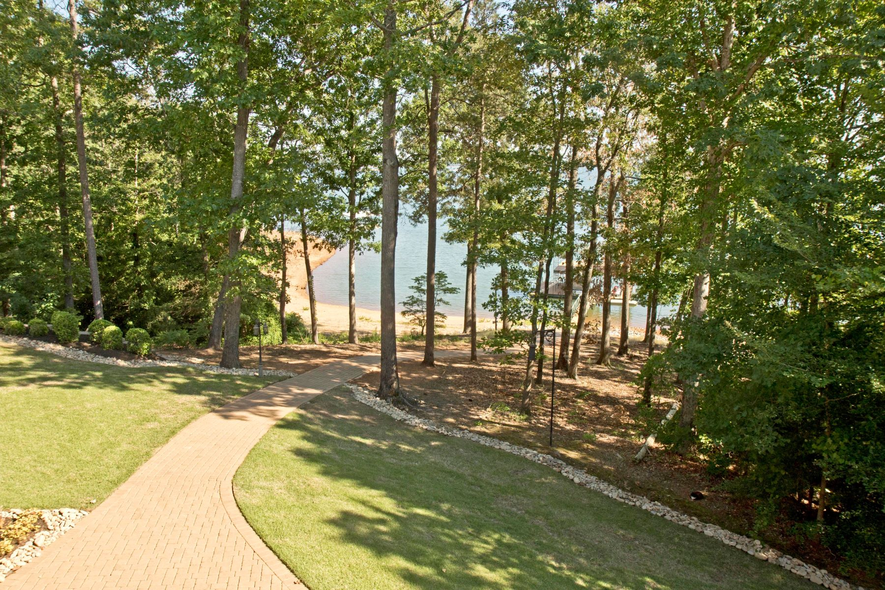 Additional photo for property listing at 114 Keowee Club Road 114 Keowee Club Road Townville, South Carolina 29689 United States