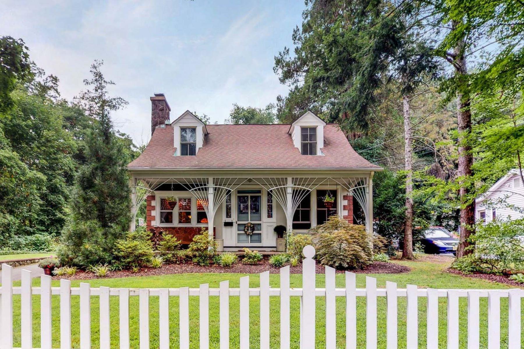 Single Family Homes por un Venta en Charming Colonial 477 Baxter Avenue Wyckoff, Nueva Jersey 07481 Estados Unidos