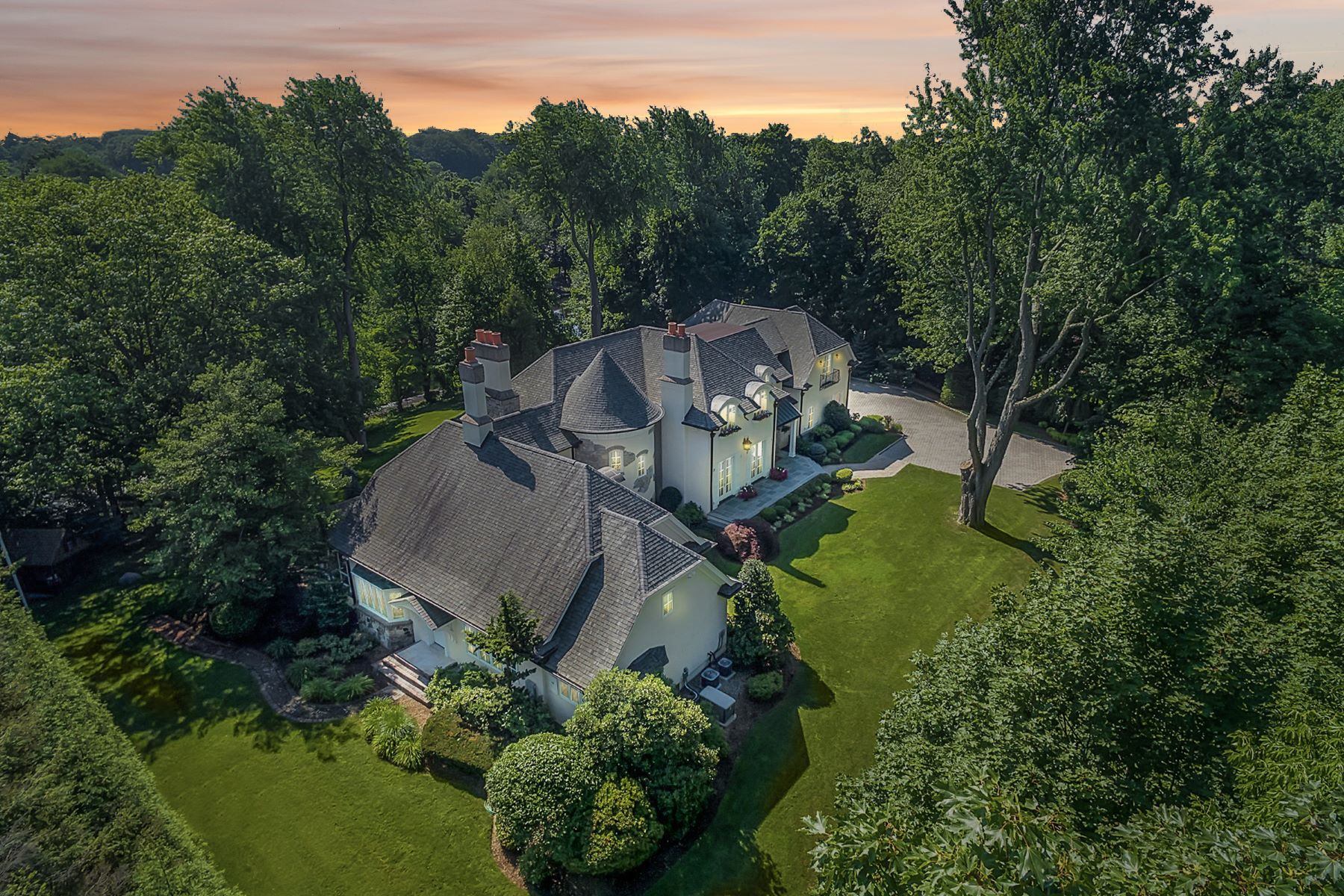 Single Family Homes for Sale at Stunning English Manor 551 Overlook Drive Wyckoff, New Jersey 07481 United States