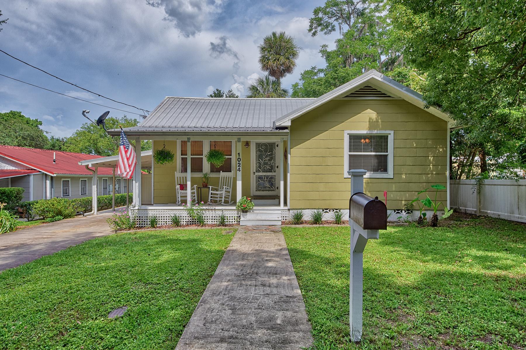 Enfamiljshus för Försäljning vid 1024 SE Alvarez Ave , Ocala, FL 34471 1024 SE Alvarez Ave Ocala, Florida 34471 Usa