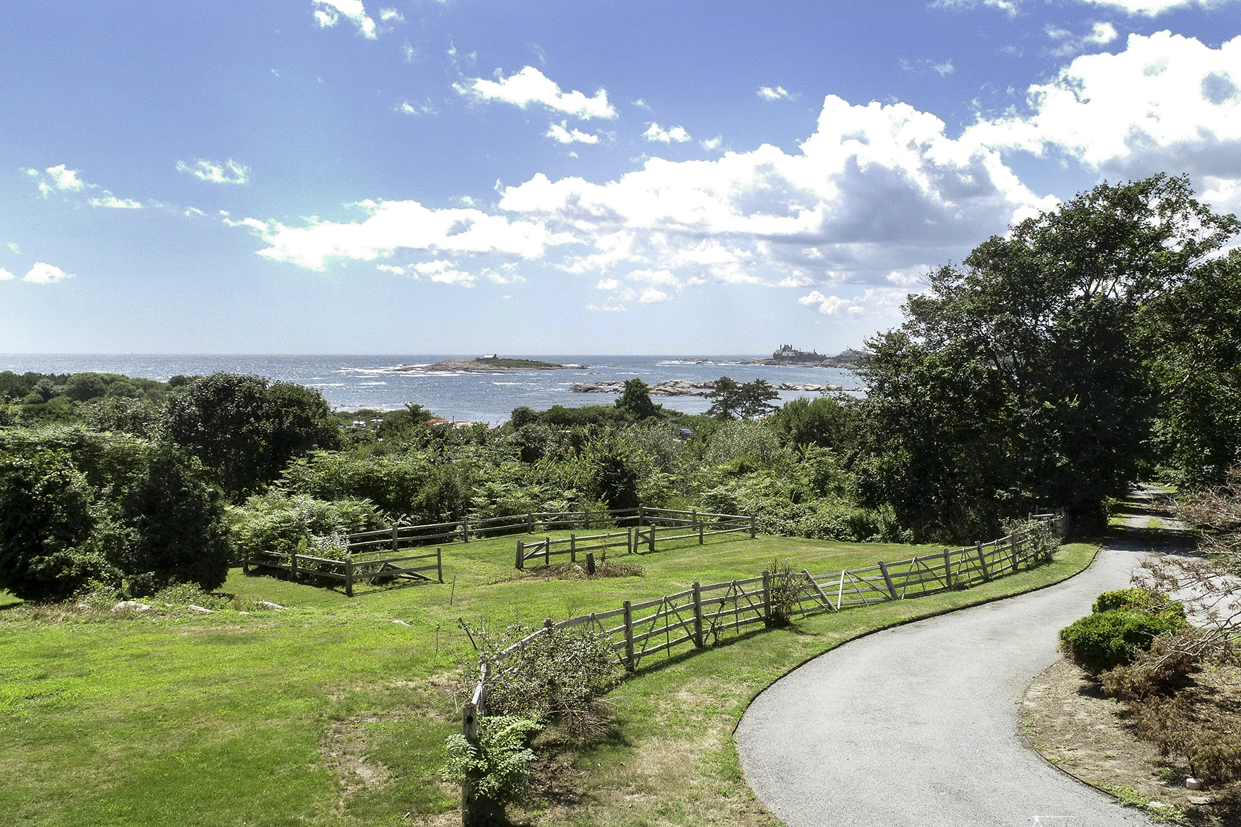 Single Family Homes for Sale at Ocean Drive Rocky Farm 121 Ocean Avenue Newport, Rhode Island 02840 United States