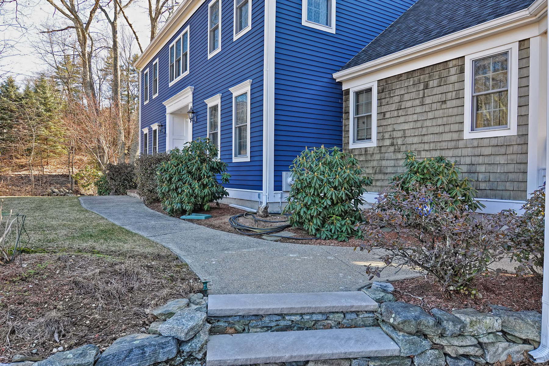 Single Family Home for Sale at Spacious Colonial 1 Gershom Dr North Grafton, Massachusetts 01536 United States