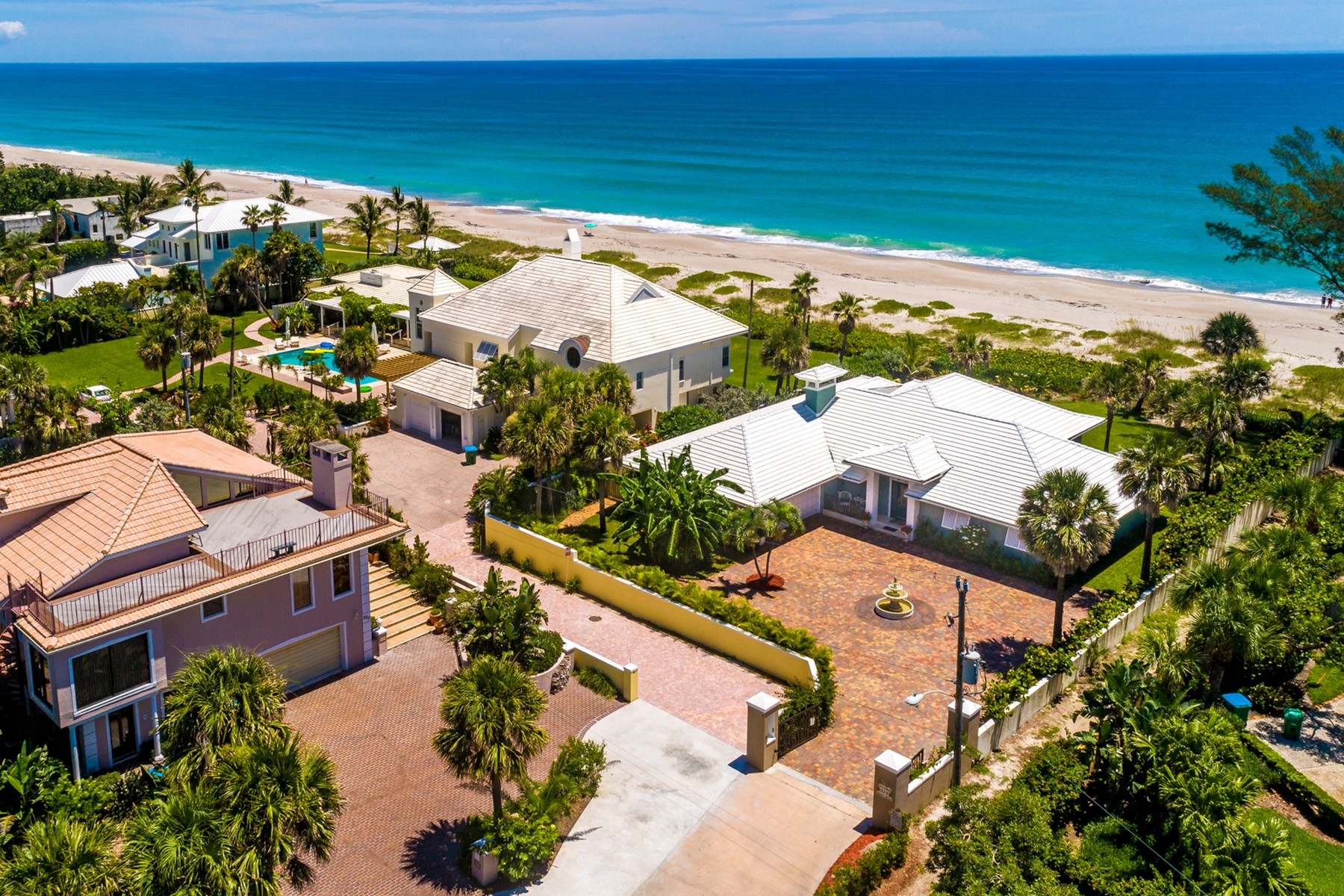 Additional photo for property listing at Impressive Oceanfront Home 325 Atlantic Street Melbourne Beach, Florida 32951 United States