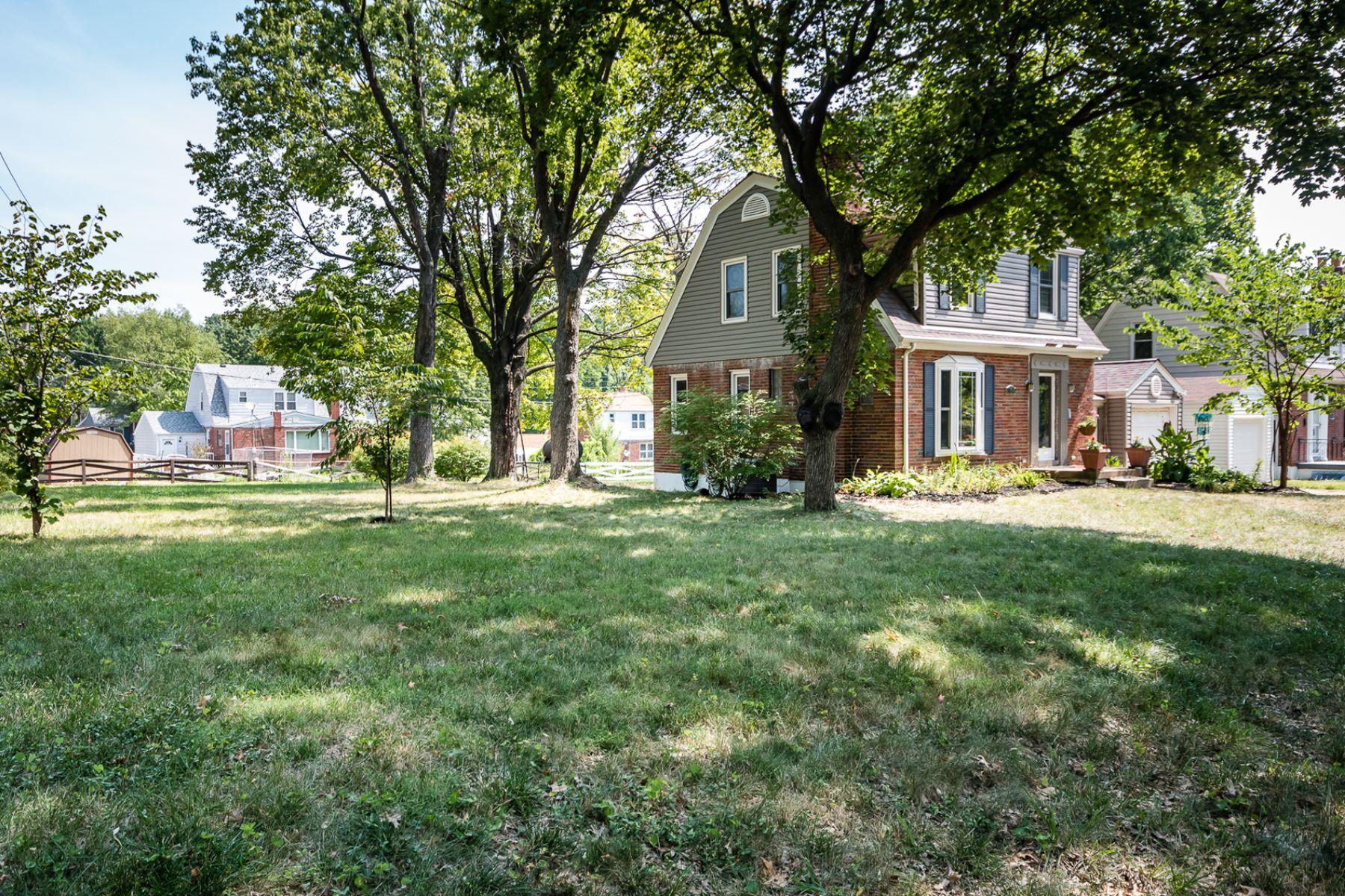 Additional photo for property listing at Hillsdale Dr 7549 Hillsdale Dr Greendale, 密苏里州 63121 美国