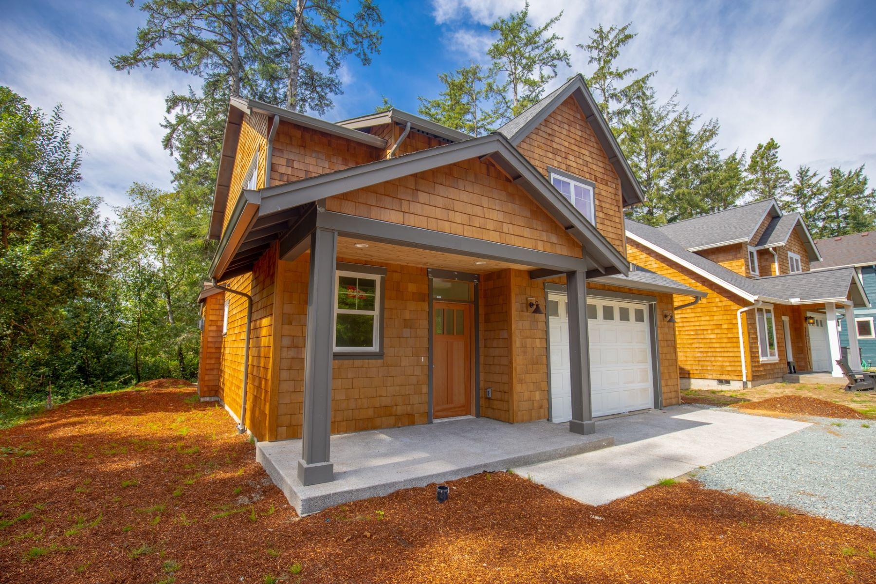 Single Family Homes para Venda às Quality New Construction 34720 Nehalem Ave, Manzanita, Oregon 97130 Estados Unidos