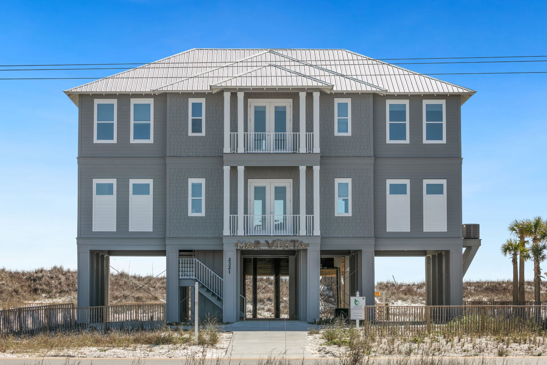 Single Family Homes para Venda às Baldwin Beach 2321 W Beach Blvd Gulf Shores, Alabama 36542 Estados Unidos