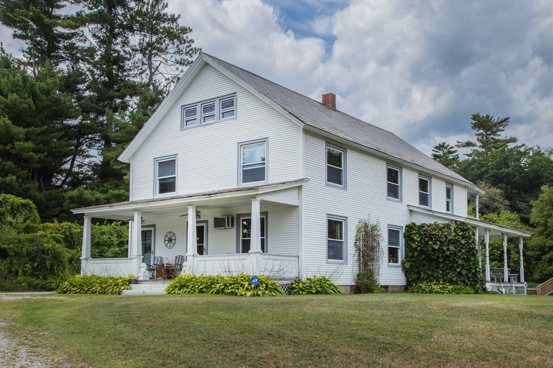 Single Family Homes for Sale at 13-15 Shedd Place, Rutland City 13-15 Shedd Pl Rutland, Vermont 05701 United States