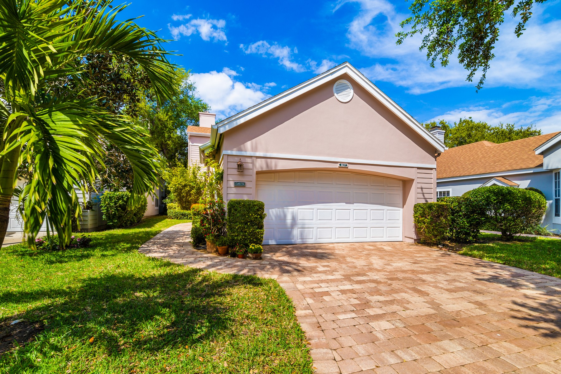Single Family Homes for Sale at SEA OAKS RIVER HOME 8837 Lakeside Circle Vero Beach, Florida 32963 United States