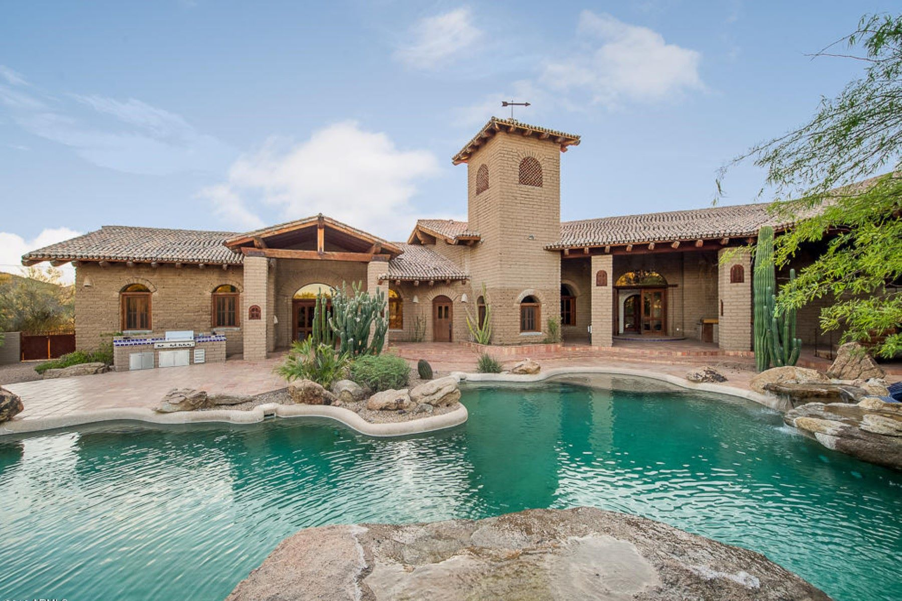 Villa per Vendita alle ore Amazing Adobe Estate 39823 N 56th St Cave Creek, Arizona, CAVE Stati Uniti